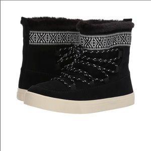 NEW Toms Alpine Boots Black Faux Fur Size 6